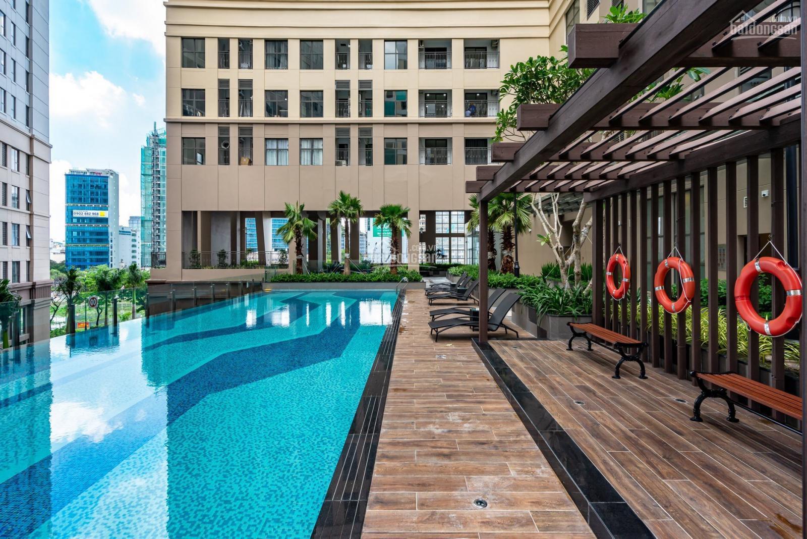 Hồ bơi nội khu Saigon Royal quận 4